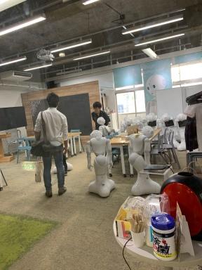 Art and robots